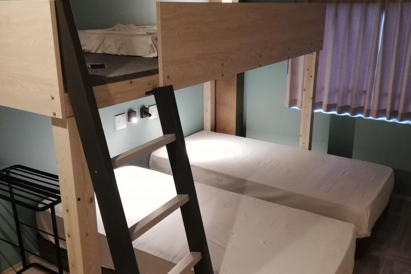 6 person room with loft bed