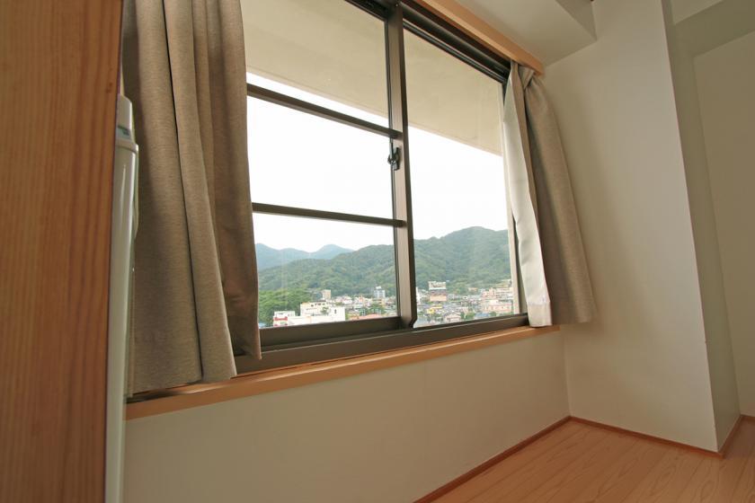【禁煙】和室 10畳/山側角