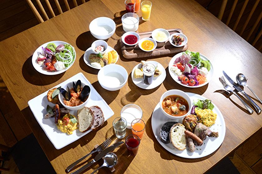 """[Breakfast / Consecutive stay with benefit] """"Breakfast present"""" from the second night onwards = Exclusive for vacation teleworking ="""