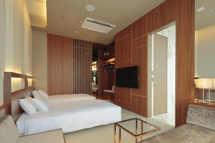 A special room with an open-air bath where you can monopolize the starry sky and the night view. Anniversary with your loved one (breakfast included)