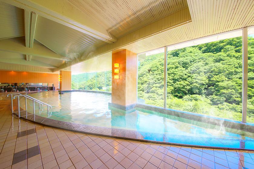 【スタンダードプラン】美しい会津の景色とオールインクルーシブを満喫 1泊2食付 バイキング<6/30まで かに食べ放題!>