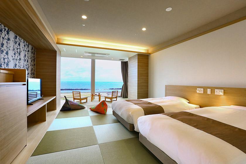 【リニューアルモダン和室】 開放感のある客室から日本海を一望&豪華バイキング1泊2食プラン