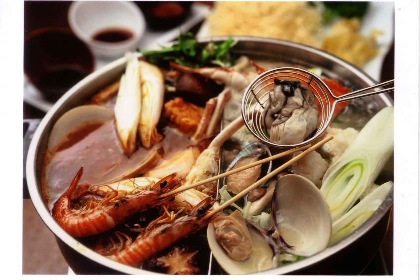 神戸牛ステーキや火鍋をお得に堪能できる!地元名店のお食事券1人1泊あたり5000円分付(朝食付)