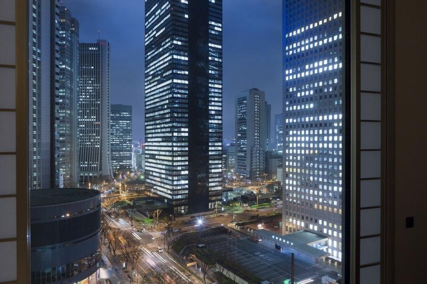 ◆ Night view & high-rise commitment ◆ Luxury time spent in Hilton while watching the night view of Shinjuku (free WiFi & room only)