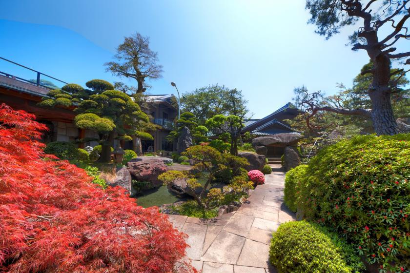 庭園散歩・かげつ自慢の日本庭園を自由に散策【入浴と日帰り昼食プラン】