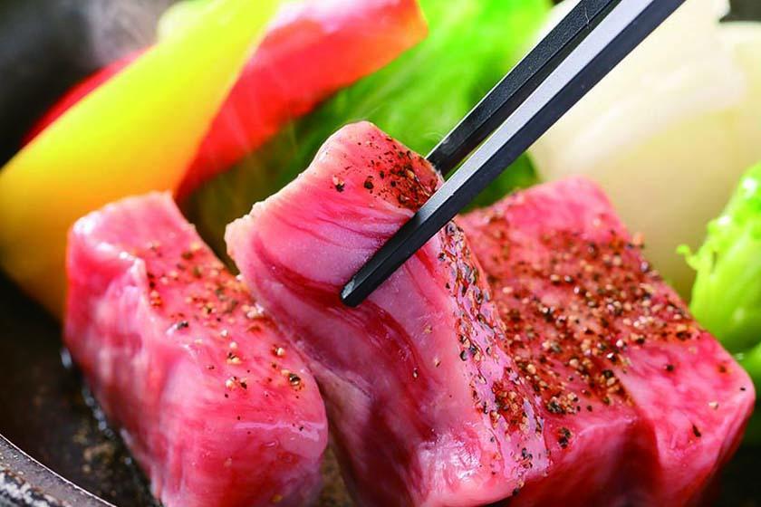 【別注】村上牛陶板焼き付プラン サシが多く、甘みのある、とろけるような味わいの村上牛をご堪能ください。<3/19~6/30 かに食べ放題>