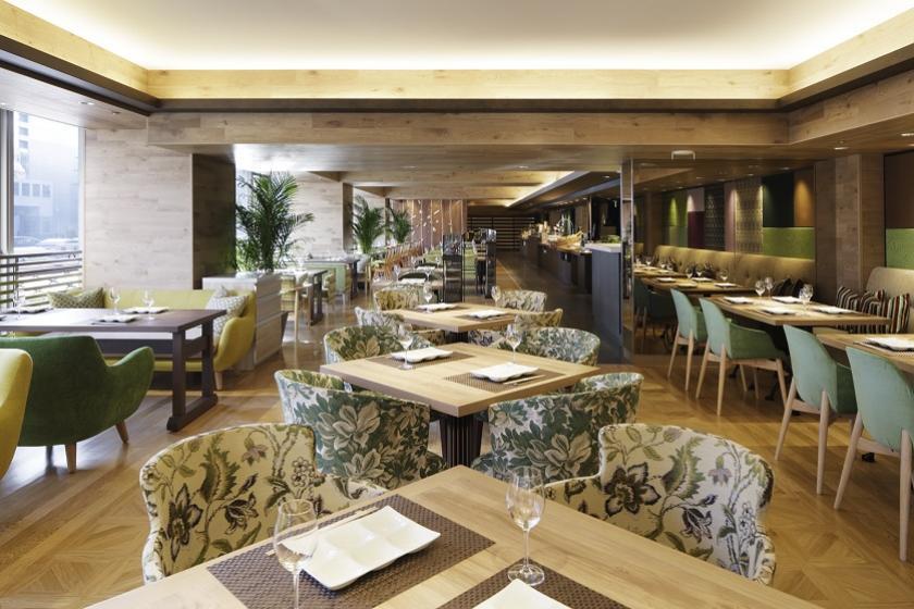 【朝食無料】森林のテラス 癒しの空間のレストランでご朝食