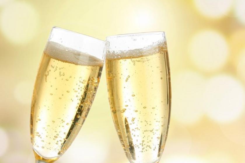 【Anniversary】フレンチフルコース+乾杯スパークリングワイン&デザートメッセージ特典付(夕朝食付)
