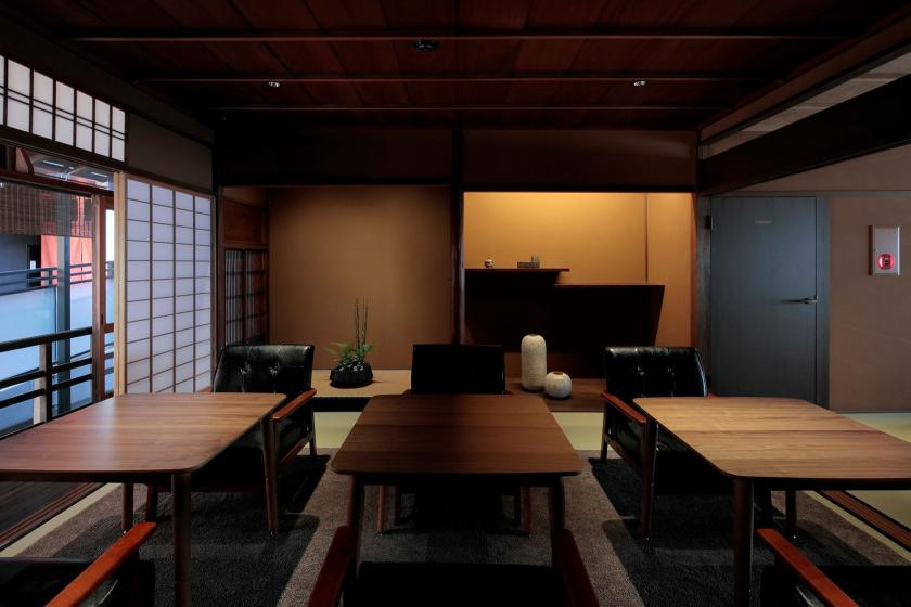 [Opening commemorative plan ♪] Enjoy the obanzai oribako breakfast that feels the four seasons at the Kyomachiya (with breakfast)