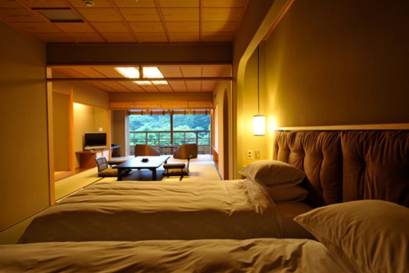 展望円形檜風呂付貴賓室「百合」(ベッド付)