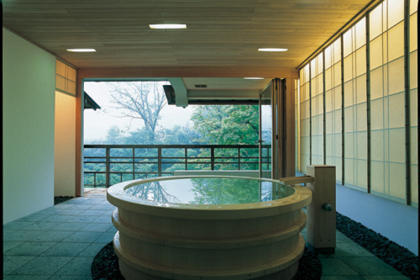 展望円形檜風呂付貴賓室「山吹/鈴蘭」