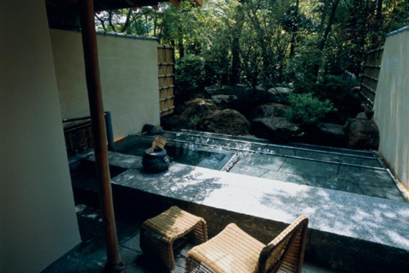 巨石露天風呂付和室