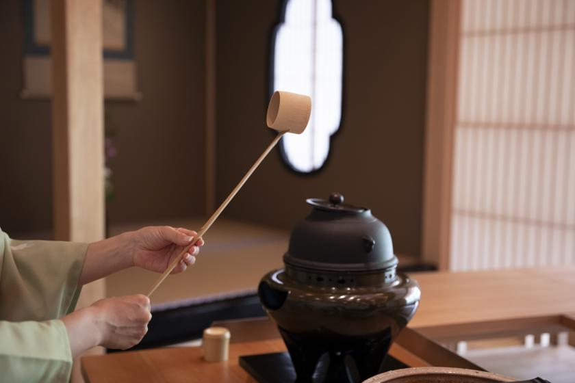 【四季の間 夕涼みの一服】夏季限定 四季の間でのお茶体験 縁側で夕涼み 朝食付き