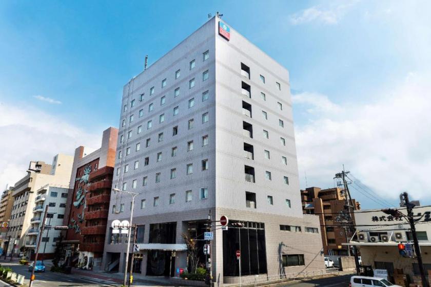 SureStay Plus Hotel by Best Western Shin-Osaka
