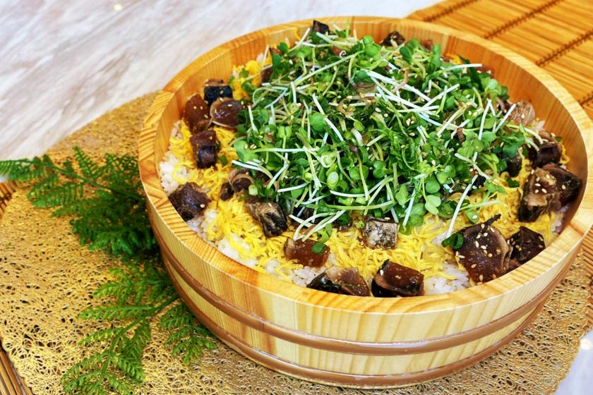 【朝から大満足】藁焼きかつお、うなぎ、牛肉の日替わり豪華ちらし寿司!ビュッフェ朝食付プラン