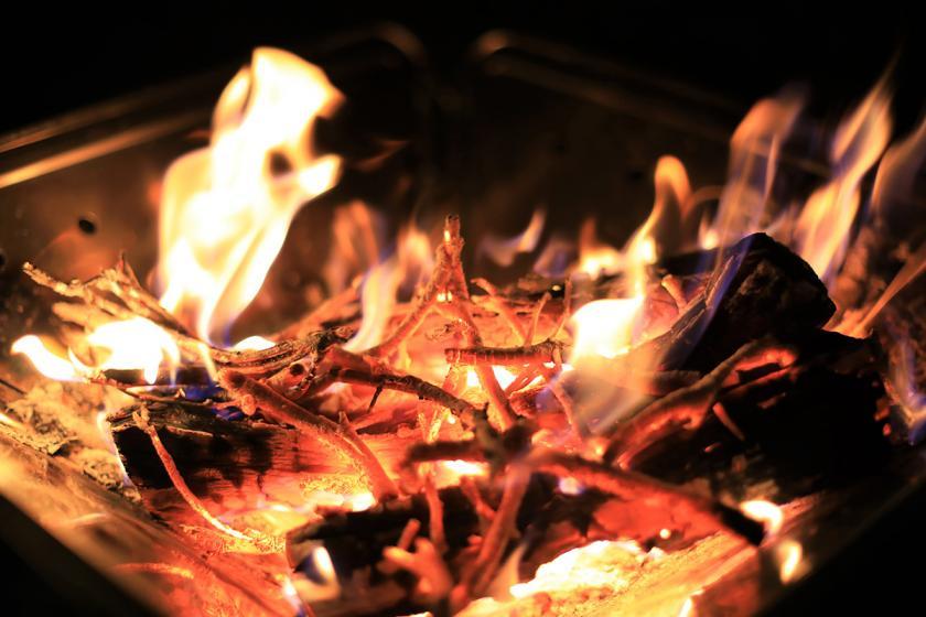 ホテルで焚き火できます!炎に癒され明日から元気に!焚き火デビューもいいよねっ!