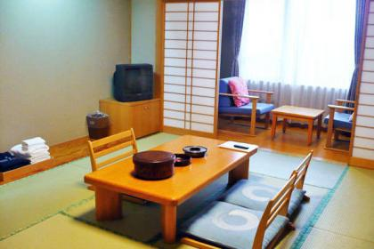 Japanese-style room (with washing machine with toilet / non-smoking)