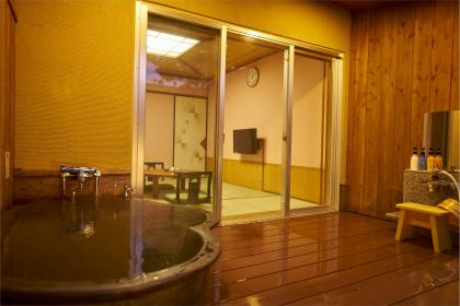 露天風呂付き和室7.5畳【喫煙OK、トイレ/洗面所なし】