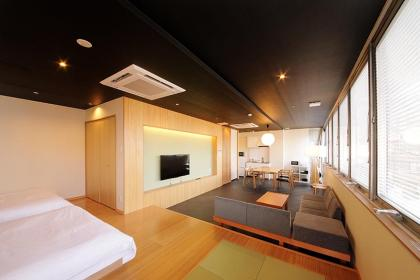 Suite Room (up to 6 people / up to 8 people with children)