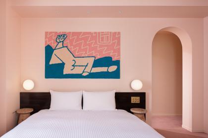 桜色の絨毯の部屋