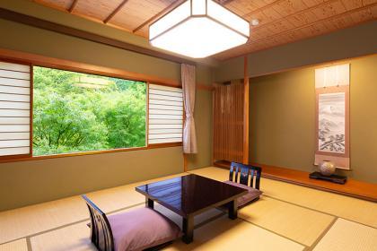 【和】和室(山側)7.5~10畳+ユニットバス付