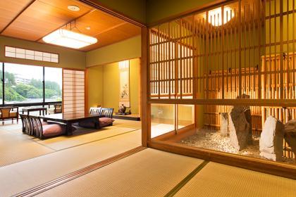【粋】和室(渓流側)10~12畳+広縁・坪庭・内風呂付