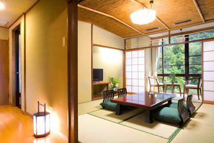【風】和室8~15畳1間+広縁・檜内風呂付
