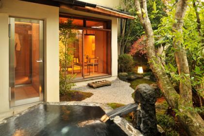 巨石露天風呂付和室「椿」