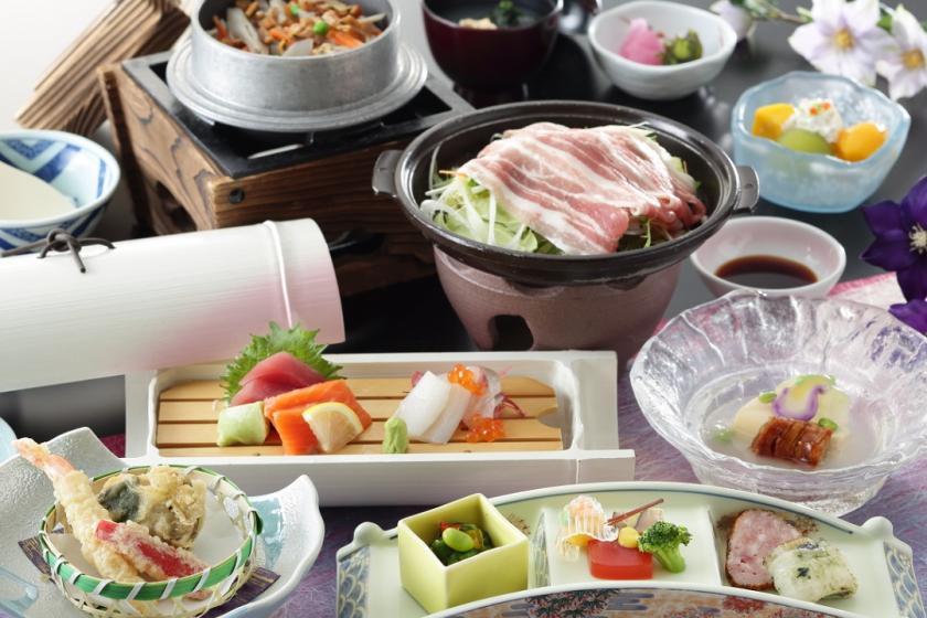 【平休日割引】ご夕食は四季折々に移り変わる旬の食材を使った和食会席膳&ハワイアンズ入場券付き